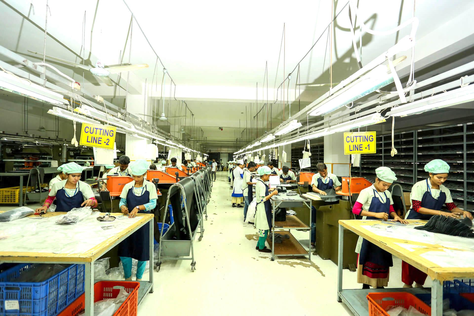 神戸元町の婦人革靴の企画デザイン販売 | ストロング通商株式会社